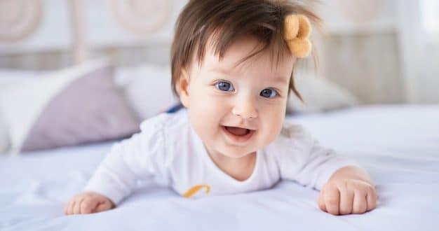 5 alimenti che rendono i capelli del bambino morbidi e folti