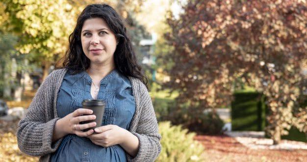 I vantaggi e gli svantaggi più importanti del caffè per le donne incinte