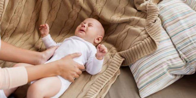 10 sintomi di indigestione nei neonati
