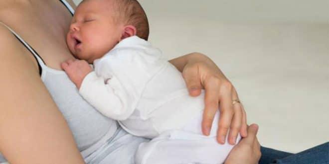 4 chiari sintomi di un'ernia dopo un taglio cesareo