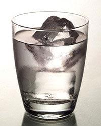 Bevande durante l'allattamento - acqua