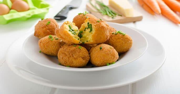 Ricette alimentari per bambini di un anno: come preparare le polpette di patate con il pollo