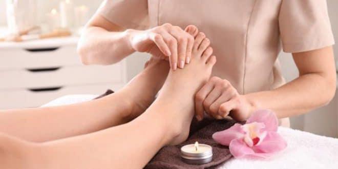 I benefici di un massaggio ai piedi