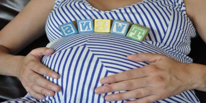 I pericoli di avere molte gravidanze sulla salute della madre e dei bambini