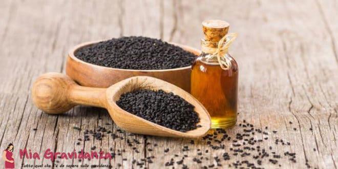 Quali sono i benefici dell'olio di semi neri per le donne incinte?