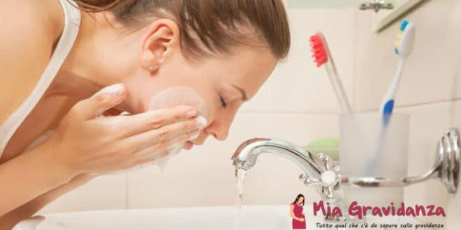 Il detergente per il viso alla mirra è dannoso per una donna incinta?