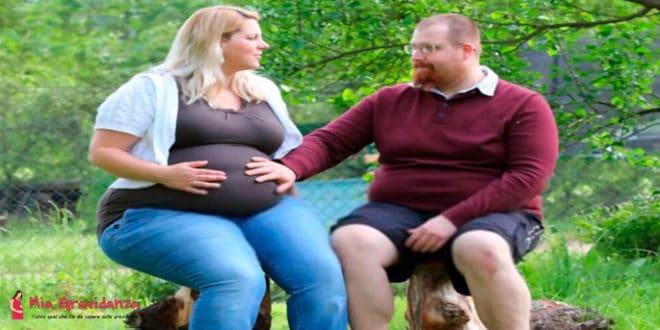 Come vestirsi bene durante la gravidanza se si indossano taglie forti